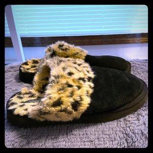 leopard 🐆 fuzzy slipper shoes